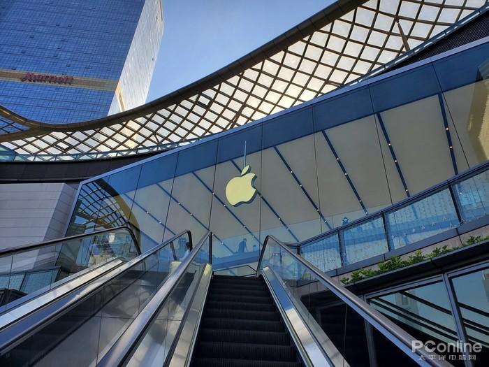 这难道不香吗?iPhone 12系列全线使用OLED屏幕